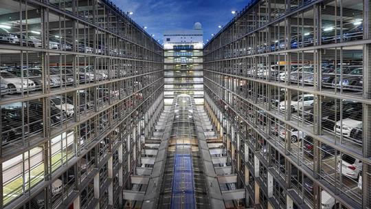 Müncheni repülőtéren új parkolóház | PHE